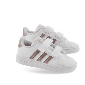 adidas Shoes - 🌵Adidas Toddler Shoe 6K🌵